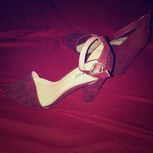 Red bamboo high heels